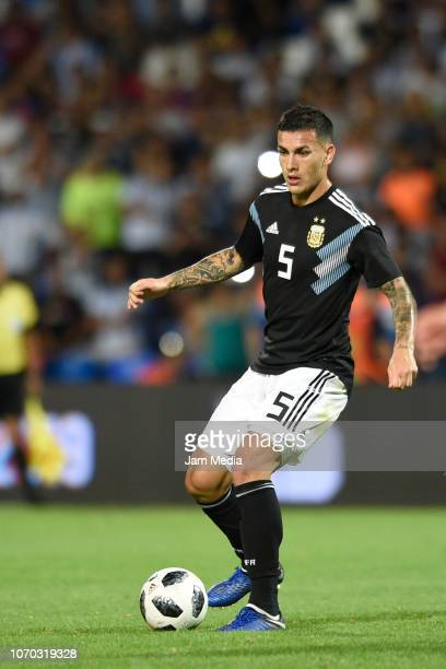Leandro Paredes of Argentina controls the ball during a friendly match between Argentina and Mexico at Malvinas Argentinas Stadium on November 20...