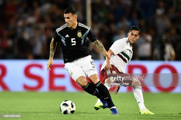 Leandro Paredes of Argentina drives the ball during a friendly match between Argentina and Mexico at Malvinas Argentinas Stadium on November 20 2018...