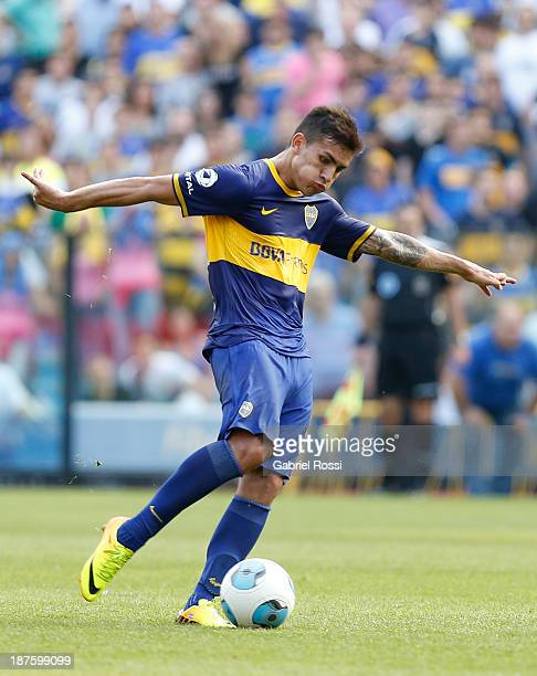 Leandro Paredes of Boca Juniors drives the ball during a match between Boca Juniors and Tigre as part of round 15th of Torneo Inicial at Alberto J...
