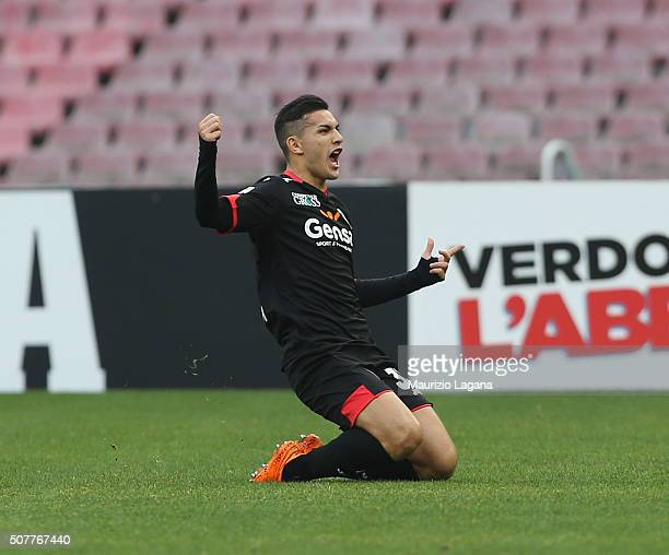 Leandro Paredes of Empoli celebrates after scoring the opening goal during the Serie A match between SSC Napoli and Empoli FC at Stadio San Paolo on...