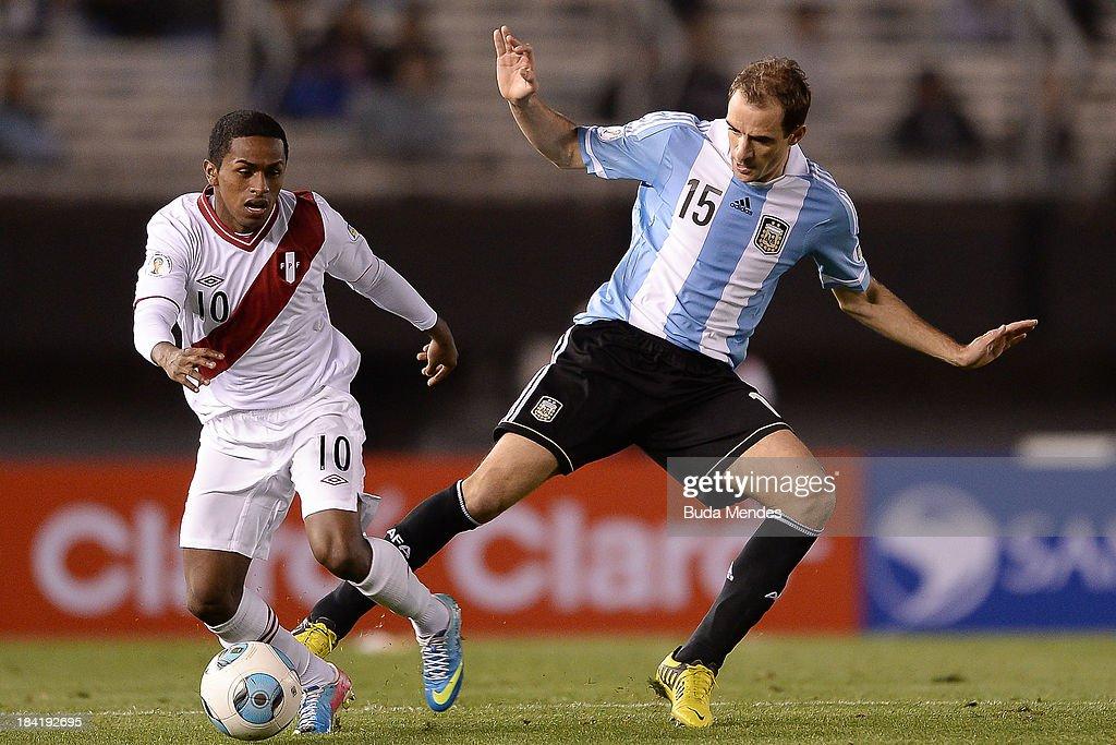 Argentina v Peru - FIFA World Cup 2014 Qualifiers : News Photo
