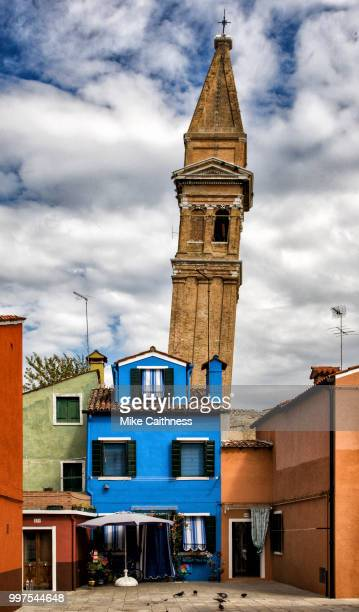 leaning tower of burano - mike caithness stock pictures, royalty-free photos & images