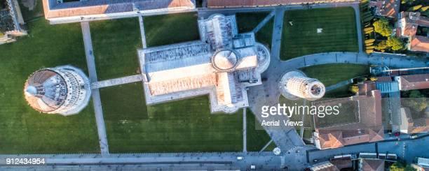 torre pendente di pisa, ita | paesaggio urbano | - pisa foto e immagini stock