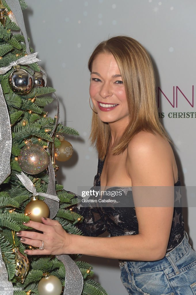 "LeAnn Rimes Kicks Off ""Today Is Christmas"" Tour 2017 In Ft Lauderdale"