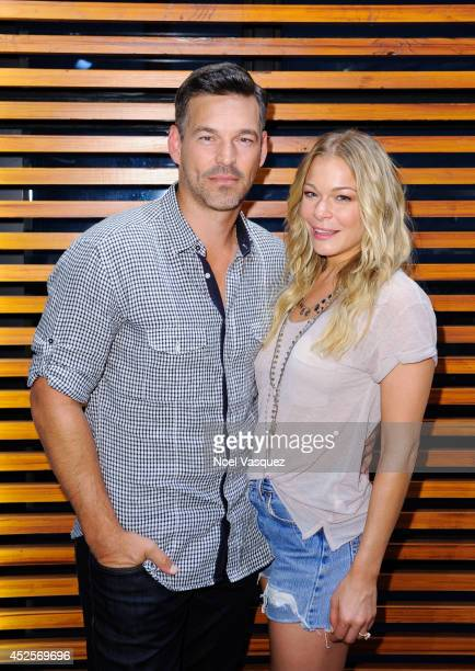 LeAnn Rimes visits 'Extra' at Universal Studios Hollywood on July 23 2014 in Universal City California