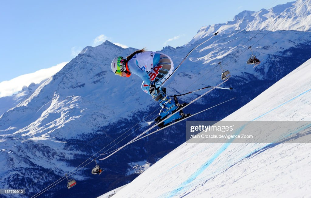 Leanne Smith of the USA skis during the Audi FIS Alpine Ski World Cup Women's Downhill Training on January 26, 2012 in St.Moritz, Switzerland.