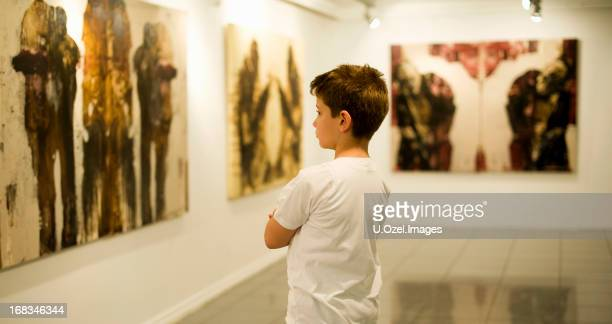 learning art - museum stock pictures, royalty-free photos & images
