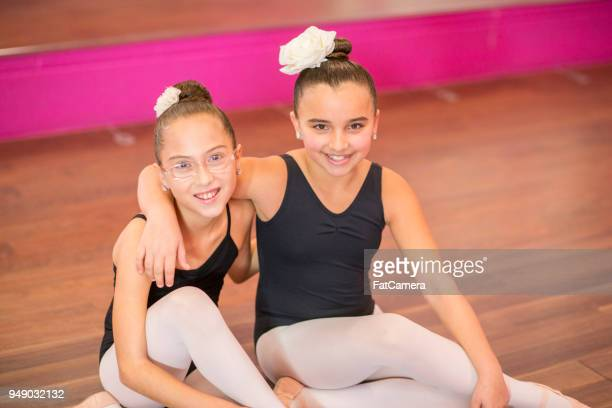 learning dancing together - performing arts center stock pictures, royalty-free photos & images