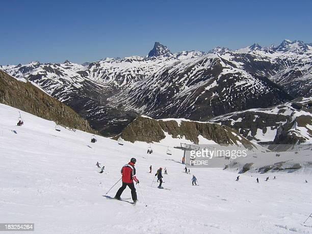 aprendizaje a esquí - aragon fotografías e imágenes de stock