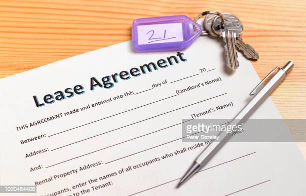 Lease agreement with house keys