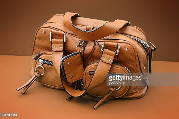 porte-monnaie en cuir - sac à main en cuir photos et images de collection