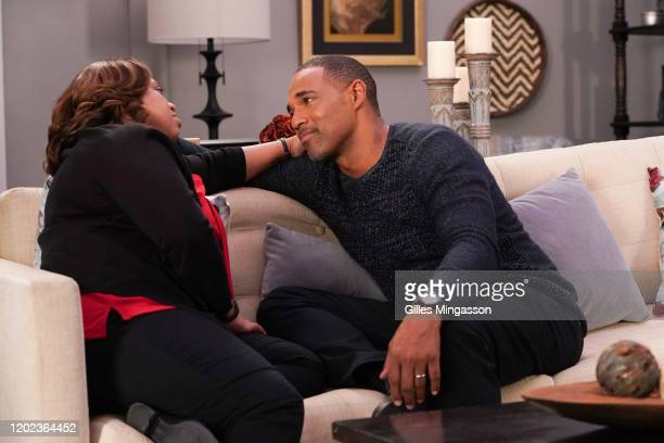 ANATOMY Leave A Light On Bailey and Ben face a huge lifealtering decision while Meredith and several of the doctors reflect on the past on an allnew...