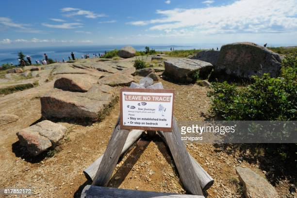 leave no trace sign in acadia national park - leave_no_trace stock pictures, royalty-free photos & images