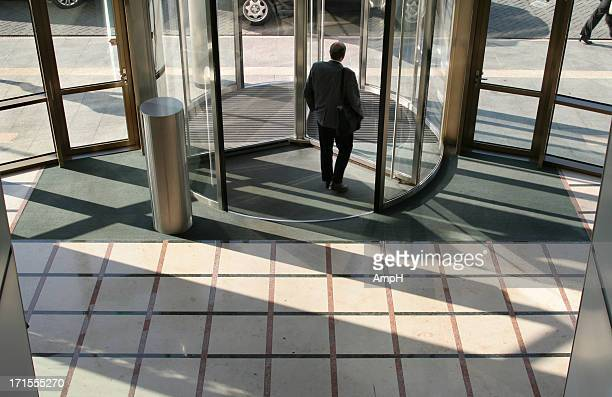 leaving the office - finale stock pictures, royalty-free photos & images