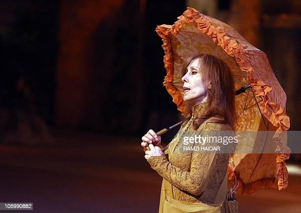 Lebanese diva Fairuz performs a scene during the 'Sah elNom' musical at the Arena in Amman 02 November 2007 AFP PHOTO/POOL/RAMZI HAIDAR