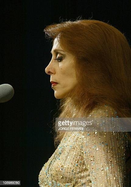 Lebanese diva Fairuz sings in Dubai 23 January 2003 In a sellout concert the Arab world's most renowned living singer was accompanied by her son...