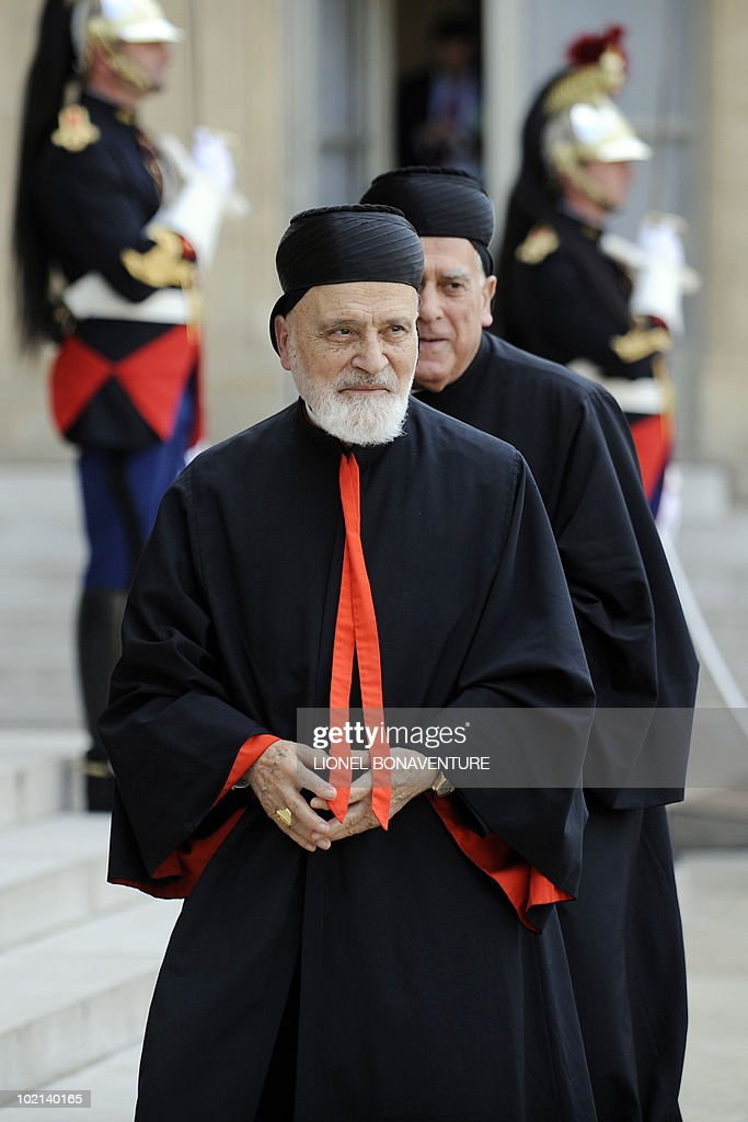 Lebanese Maronite Cardinal Nasrallah Boutros Sfeir arrives on June 16, 2010 at the Elysee Palace in Paris, before a meeting with French President Nicolas Sarkozy.