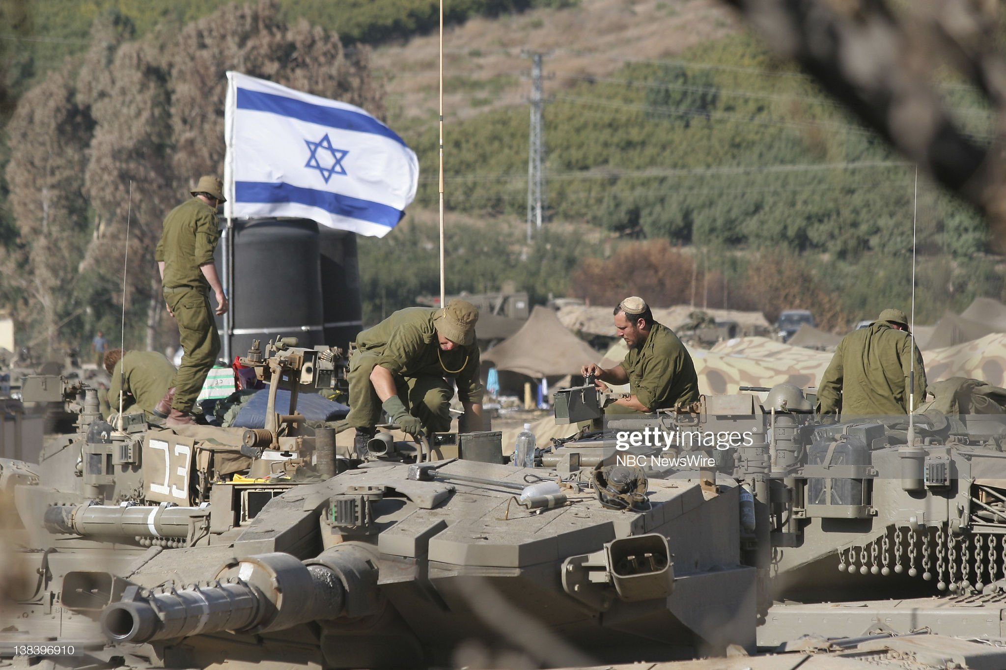 https://media.gettyimages.com/photos/lebanon-war-military-conflict-in-lebanon-and-northern-israel-the-picture-id138396910?s=2048x2048