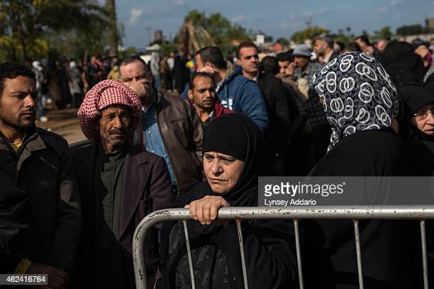 Lebanon/Syrian refugees/ Tripoli/ Syrian refugees line up to register or renew their registration at the UNHCR compound in Tripoli in North Lebanon...