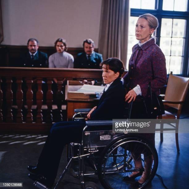 Lebenslänglich - ganz ohne Gnade, Fernsehfilm, Deutschland 1988, Darsteller: Eva Kryll, Kyra Mladek.