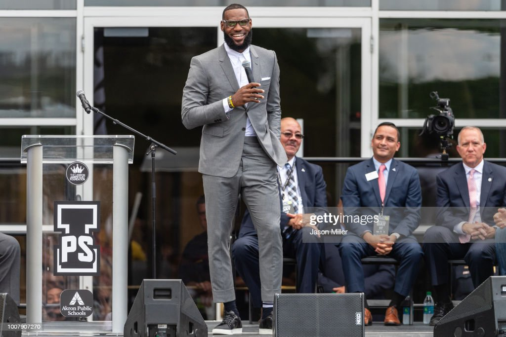 I Promise School Grand Opening Celebration With LeBron James : Foto di attualità