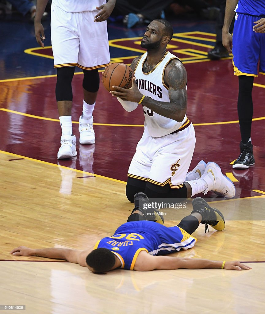 2016 NBA Finals - Game Six : Nachrichtenfoto