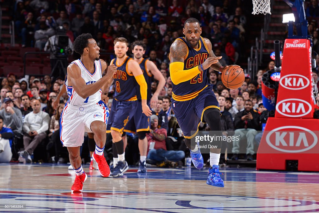 LeBron James #23 of the Cleveland Cavaliers dribbles the ball up court against the Philadelphia 76ers at the Wells Fargo Center on January 10, 2016 in Philadelphia, Pennsylvania.