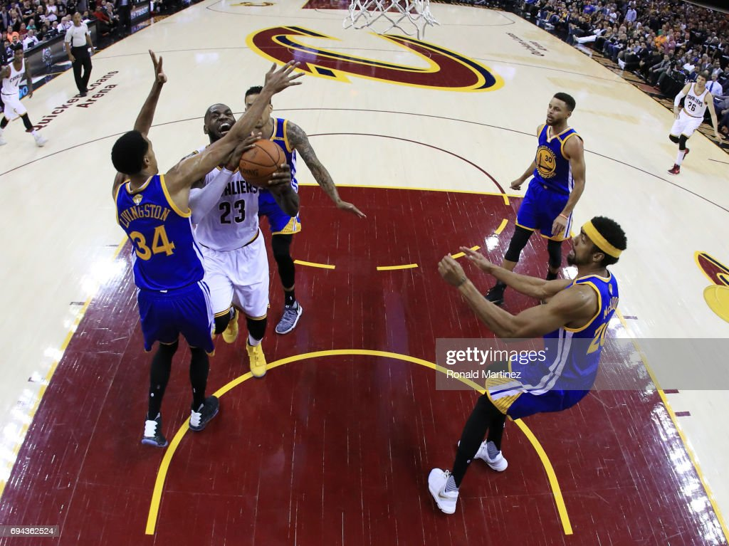 2017 NBA Finals - Game Four : News Photo