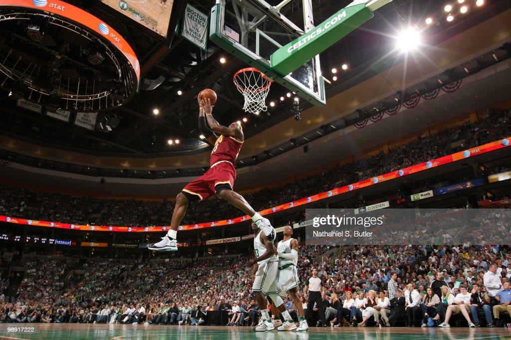 Cleveland Cavaliers v Boston Celtics, Game 3 : News Photo