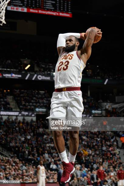 LeBron James of the Cleveland Cavaliers dunks the ball during the game against the San Antonio Spurs on January 23 2018 at the ATT Center in San...