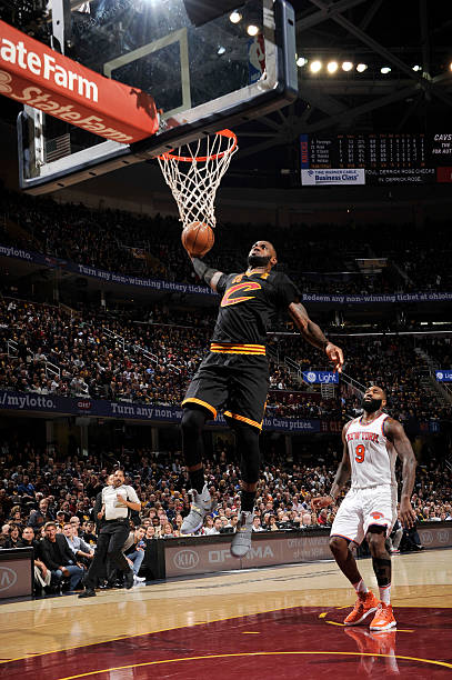 100% authentic 03392 686a8 New York Knicks v Cleveland Cavaliers