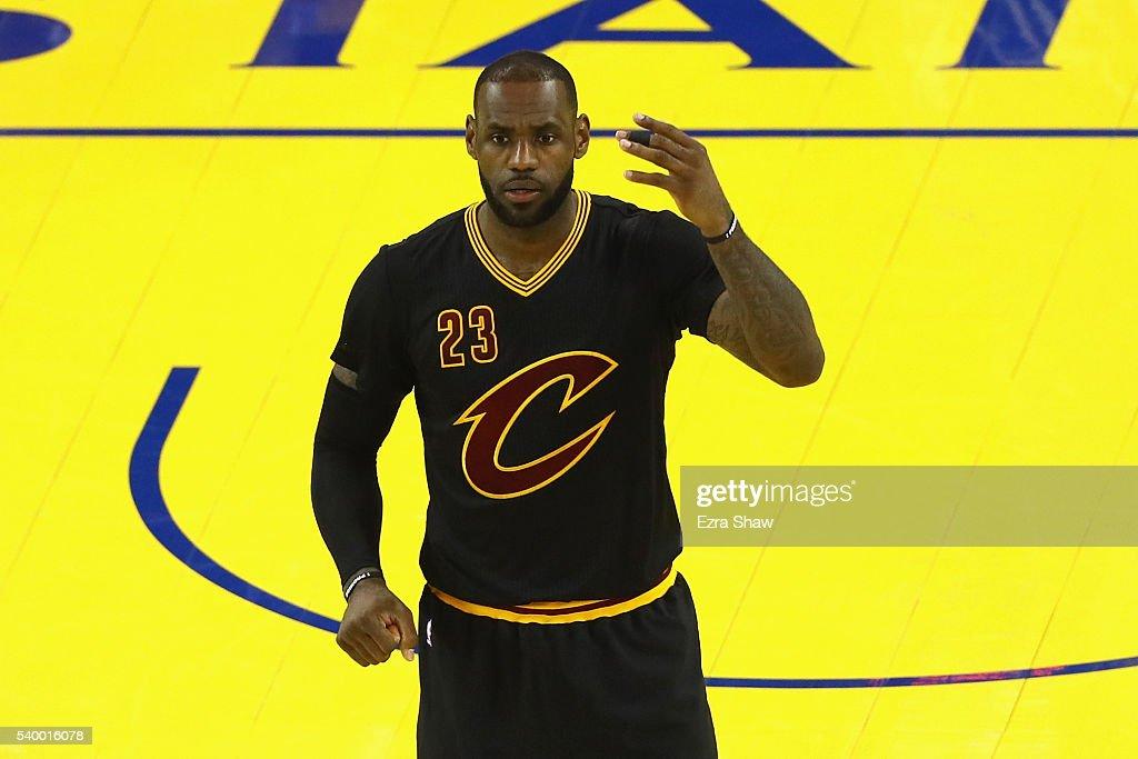 2016 NBA Finals - Game Five : News Photo