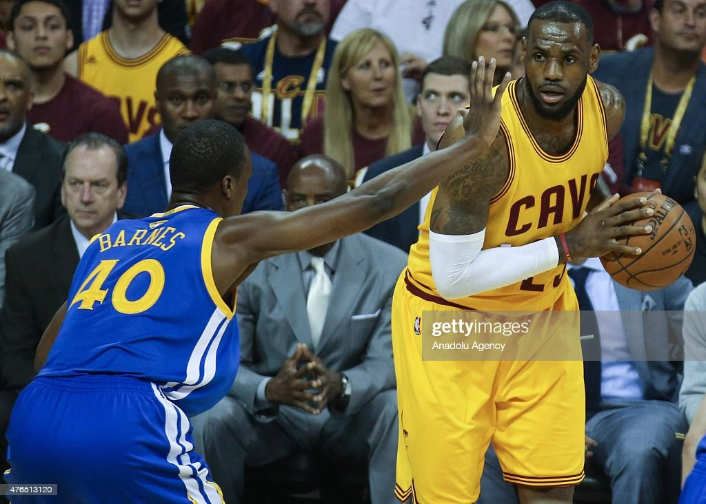 Golden State Warriors - Cleveland Cavaliers - 2015 NBA Finals : ニュース写真