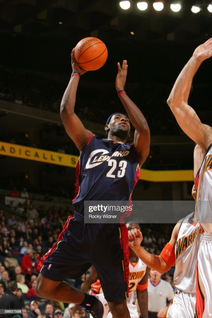 Cleveland Cavaliers v Golden State Warriors : News Photo