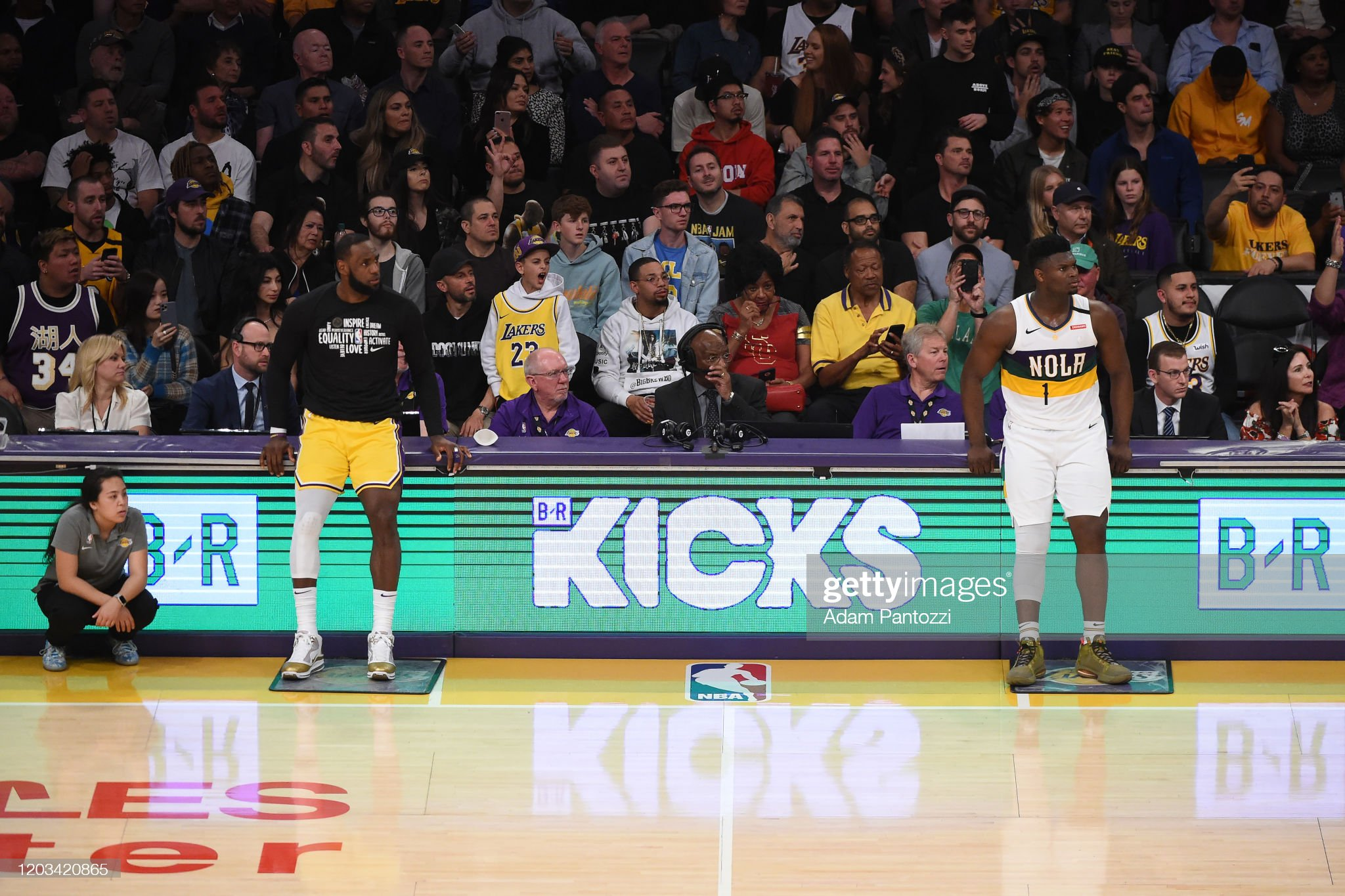 New Orleans Pelicans v Los Angeles Lakers : News Photo