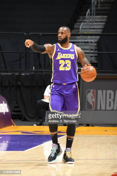 LeBron James of the Los Angeles Lakers dribbles during the game against the New Orleans Pelicans on January 15, 2021 at STAPLES Center in Los...