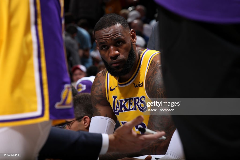 e3316c64f57 LeBron James of the Los Angeles Lakers looks on against the Atlanta ...