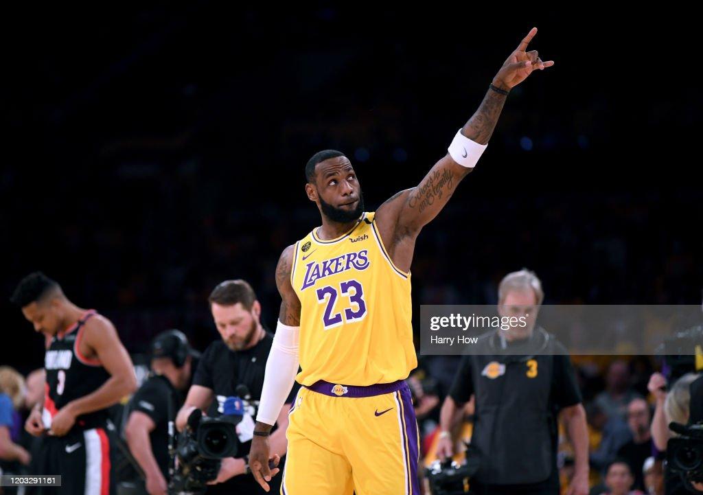 Portland Trail Blazers v Los Angeles Lakers : Nachrichtenfoto