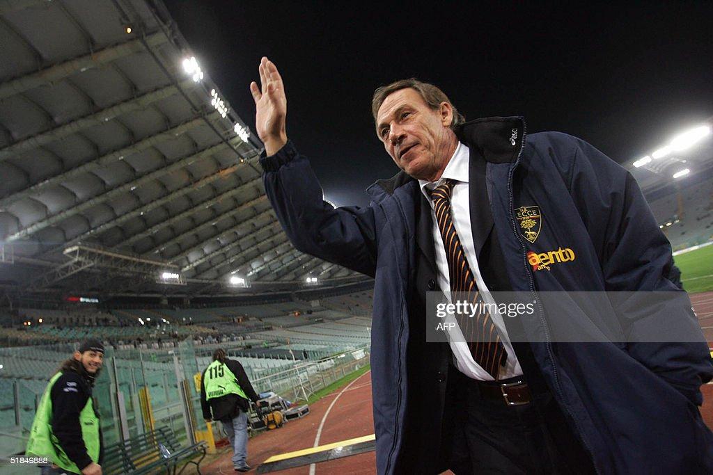Lecce  coach Czech Zdenek Zeman waves be : News Photo