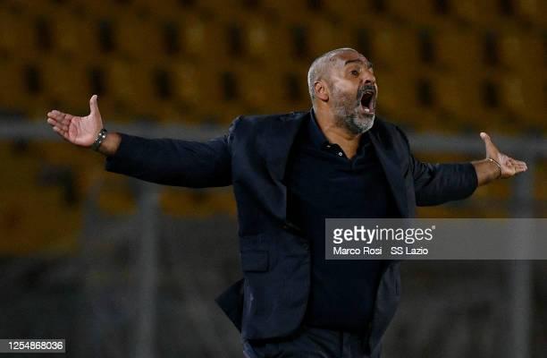 Lecce head coach Fabio Liverani reacts during the Serie A match between US Lecce and SS Lazio at Stadio Via del Mare on July 07 2020 in Lecce Italy