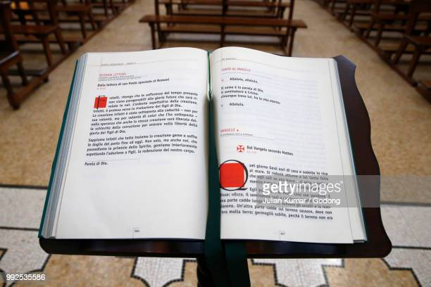 lecce, italy. chiesa del ges o del buon consiglio (16th century). open missal. - consiglio stock pictures, royalty-free photos & images
