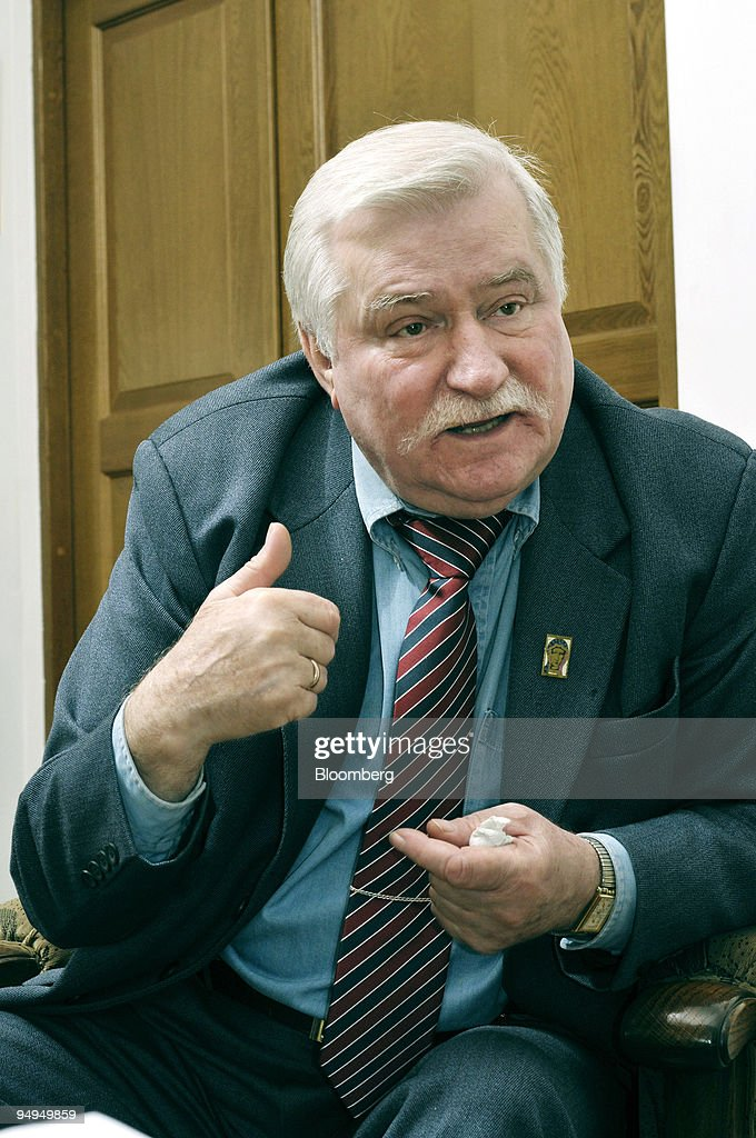Lech Walesa, who led the Solidarity movement that helped top : News Photo