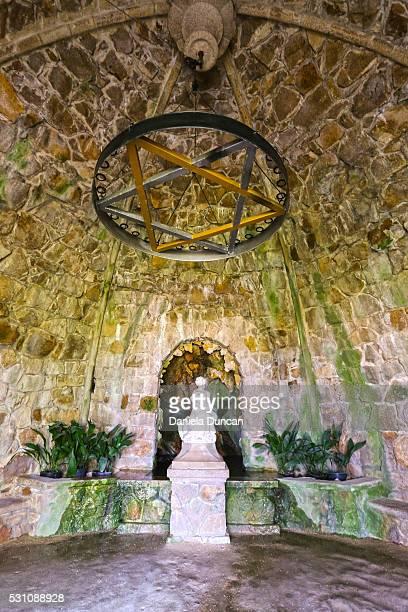 leda's cave - quinta da regaleira photos stock pictures, royalty-free photos & images