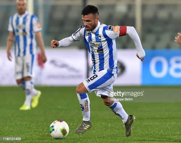 Ledian Memushaj of Pescara Calcio in action during Serie B match between Pescara Calcio and US Cremonese at Adriatico StadiumGiovanni Cornacchia on...