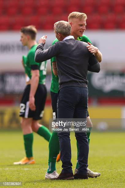 Lee Bowyer the manager / head coach of Birmingham City celebrates with Kristian Pedersen of Birmingham City at full time during the Sky Bet...