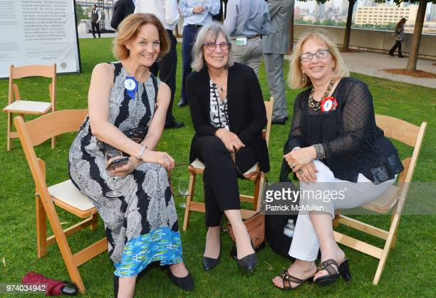 Lee Brock Mary Kirsch and Lynda Meshkov attend the Franklin D Roosevelt Four Freedoms Park's gala honoring Founder Ambassador William J Vanden Heuvel...