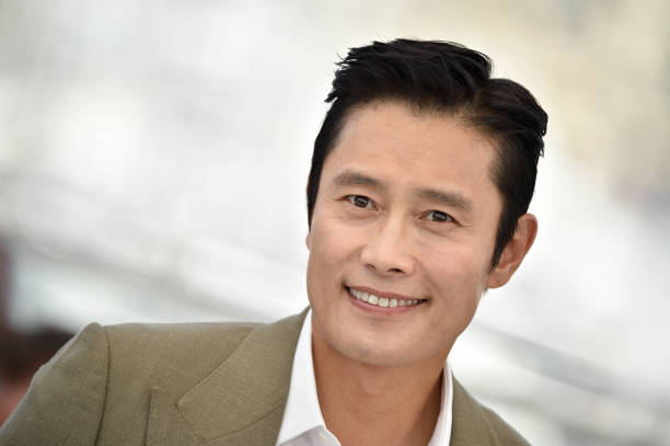 "FRA: ""Bi-Sang-Seon-Eon/Emergency Declaration"" Photocall - The 74th Annual Cannes Film Festival"