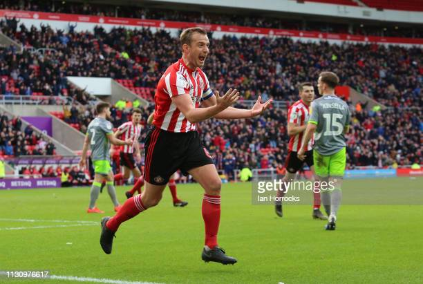 Lee Cattermole of Sunderland celebrates after his shot/cross goes in for the home teams first goal during the Sky Bet League One match between...
