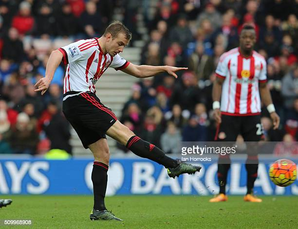 Lee Cattermole of Sunderland has a shot during the Barclays Premier match between Sunderland and Manchester United at the Stadium of Light on...