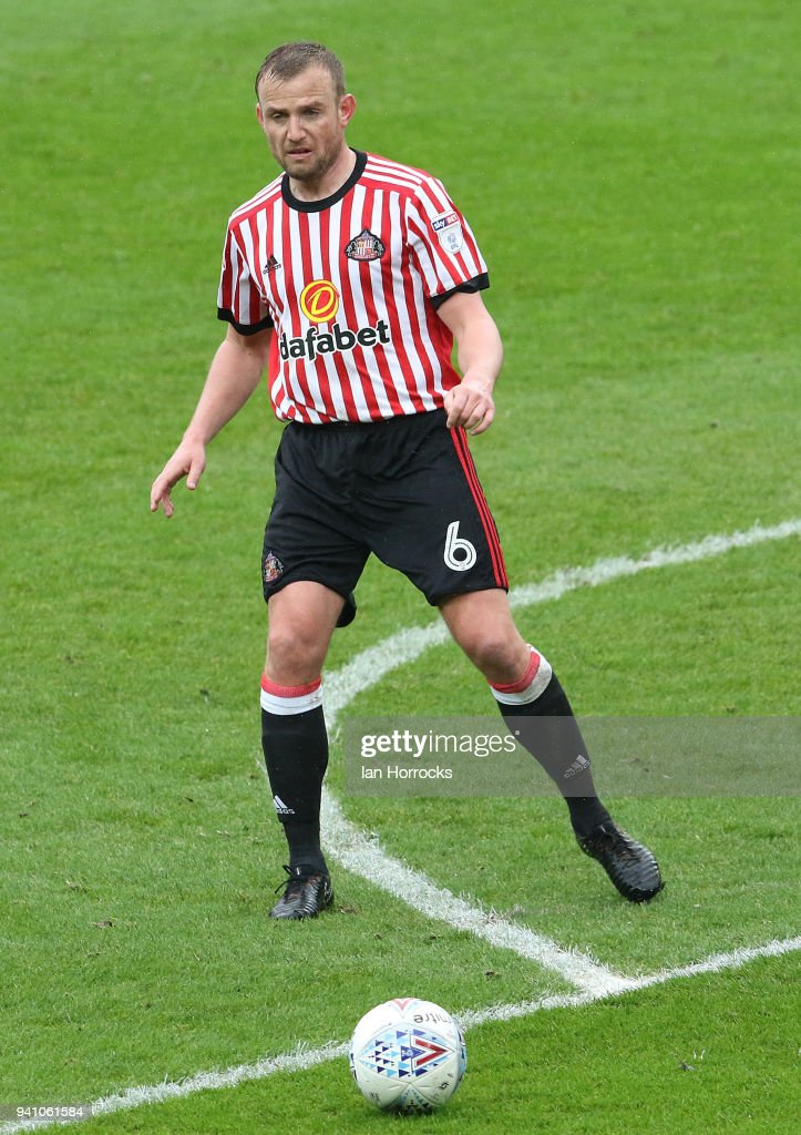 Lee Cattermole Sunderland during the Sky Bet Championship match between Sunderland AFC and Sheffield Wednesday FC at Stadium of Light on April 2, 2018 in Sunderland, England.